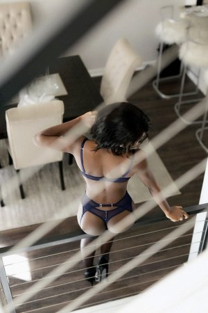 Anya ts outcall escorts in Libertyville